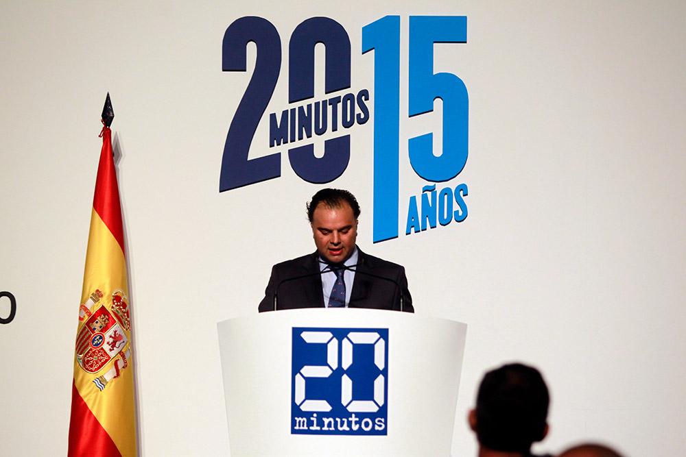 Fernando de Yarza López-Madrazo dando su discurso en el XV Aniversario de 20 Minutos